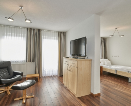 Suite - Schlafzimmer mit Bade der Hallwang Clinic - Deutschland